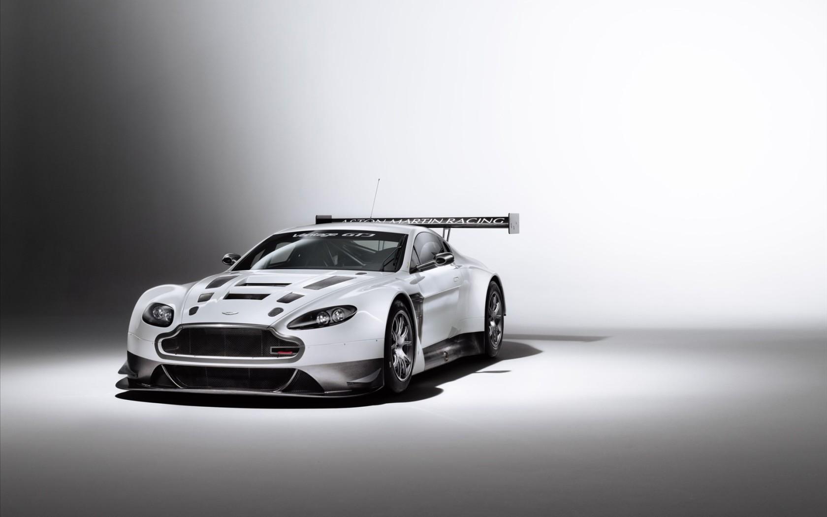 Aston Martin V Vantage Gt X