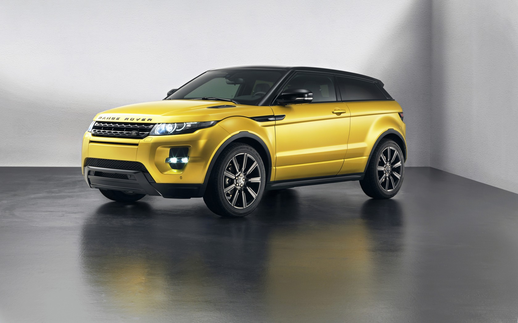 2013 land rover range rover evoque special edition. Black Bedroom Furniture Sets. Home Design Ideas