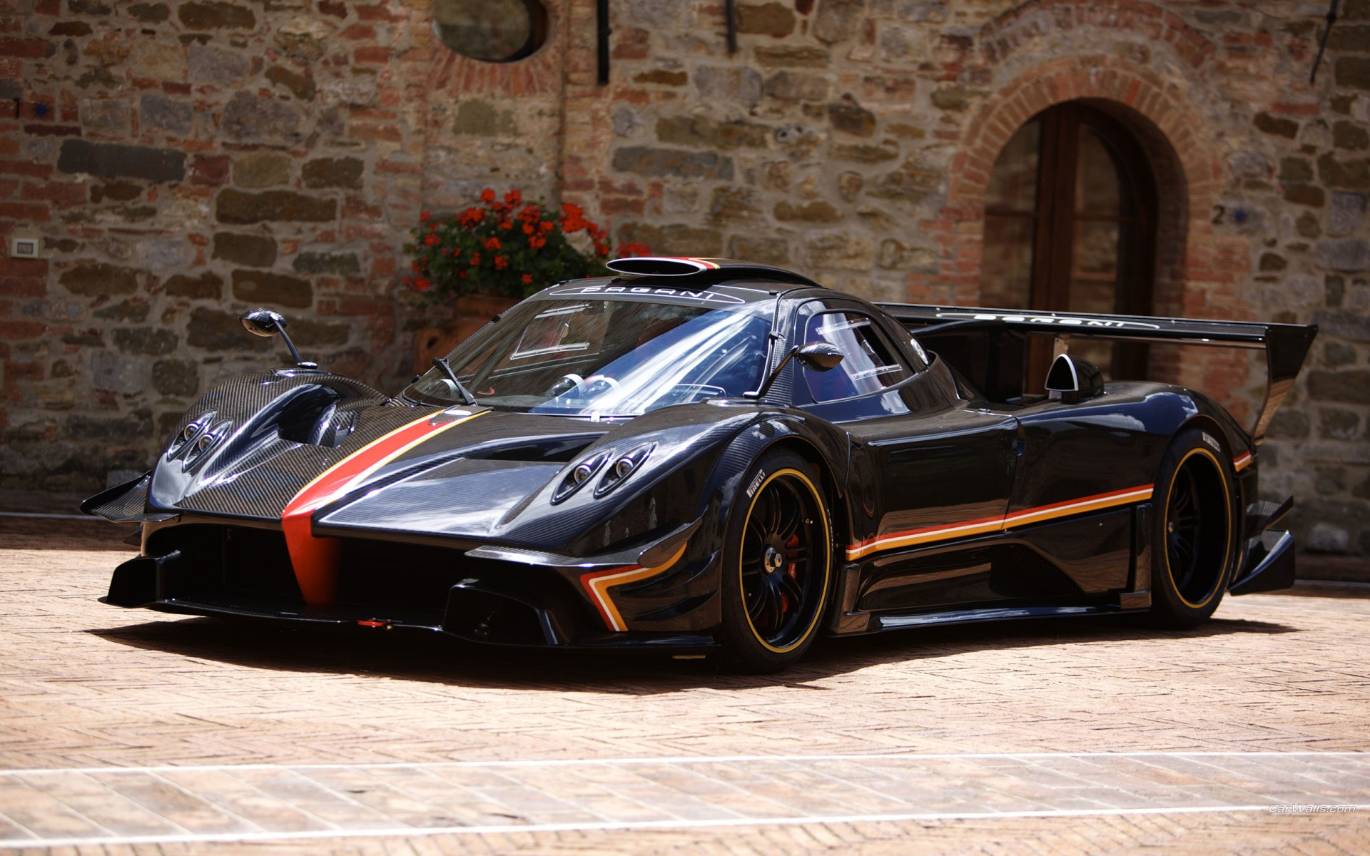 2013 Pagani Zonda Revolucion Wallpaper | HD Car Wallpapers