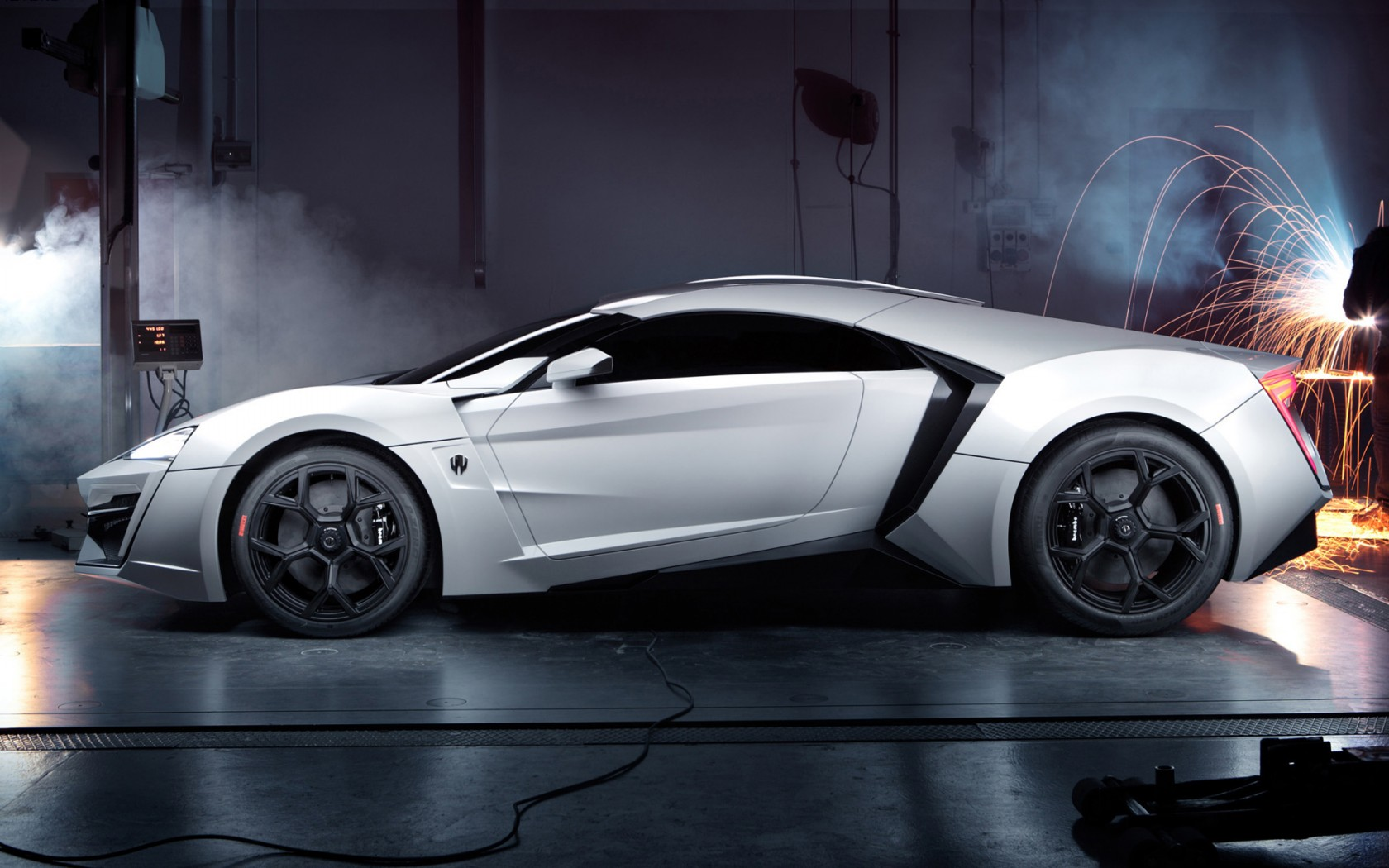 2013 W Motors Lykan Hypersport 2 Wallpaper Hd Car