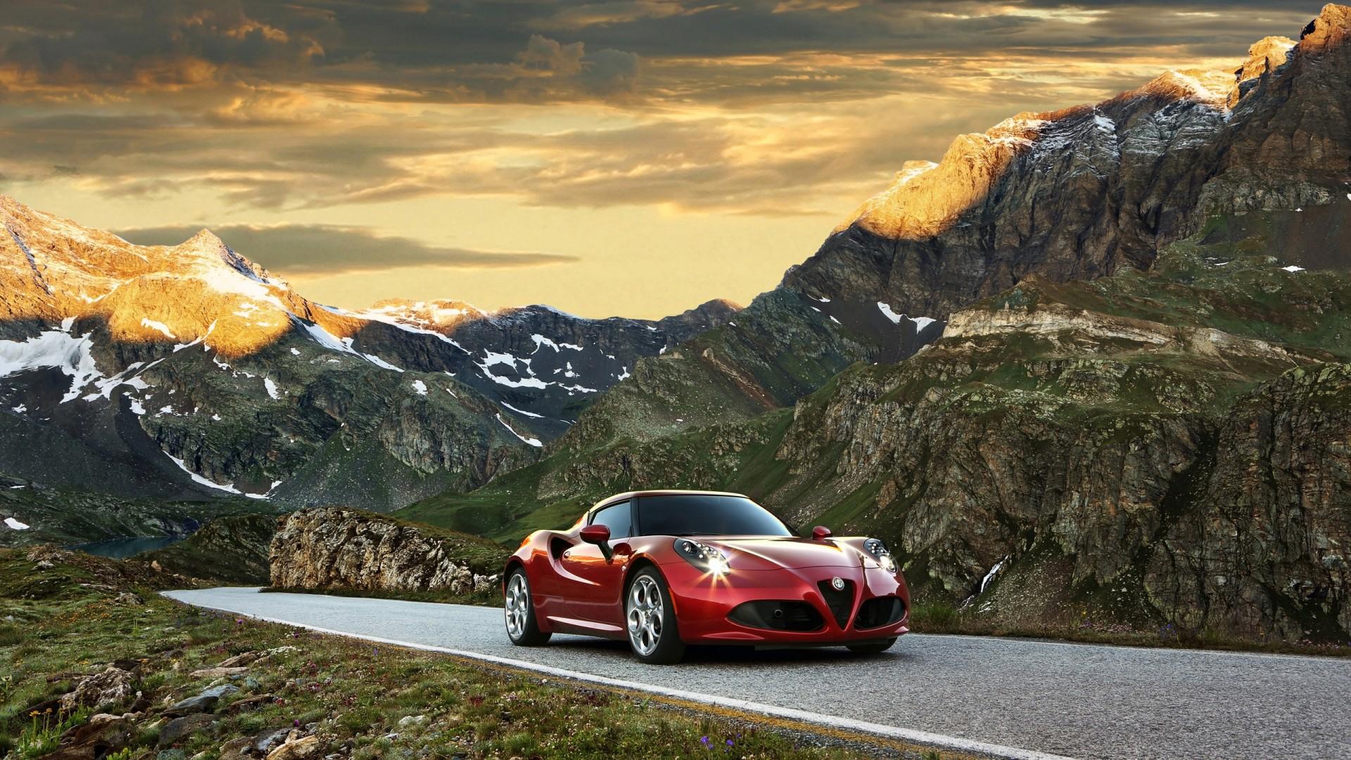 Alfa Romeo C X on Alfa Romeo 8c