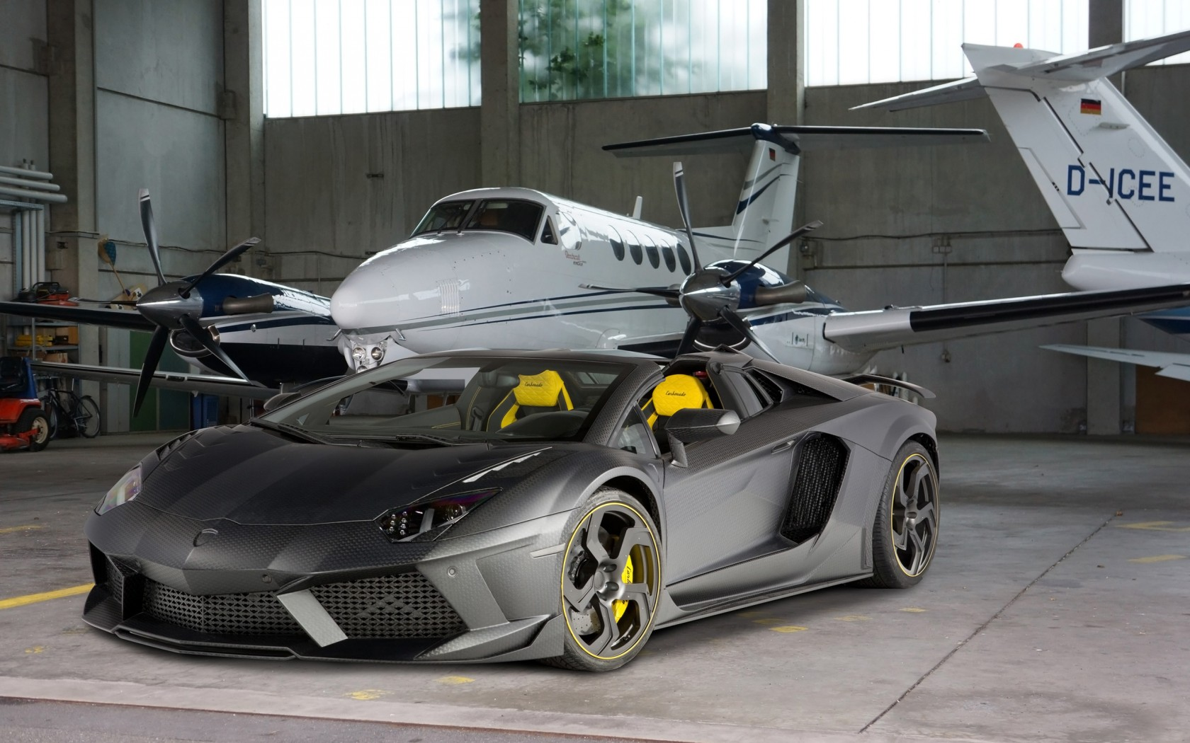 2014 mansory lamborghini aventador carbonado roadster wallpaper hd car wallpapers id 4900