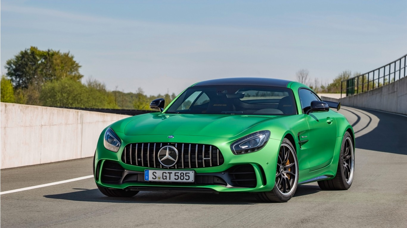 http://www.hdcarwallpapers.com/download/2017_mercedes_amg_gt_r_4-1366x768.jpg