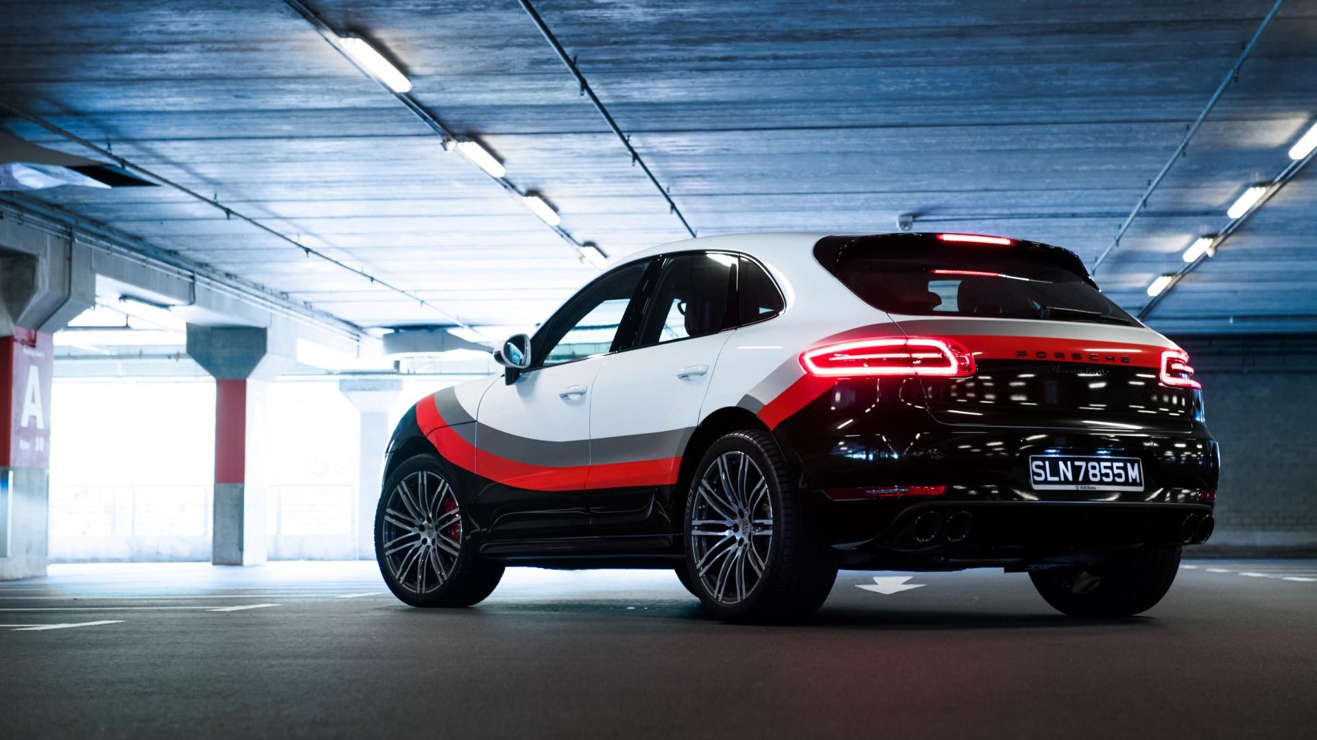 2017 Porsche Macan Turbo Performance Package 2 Wallpaper