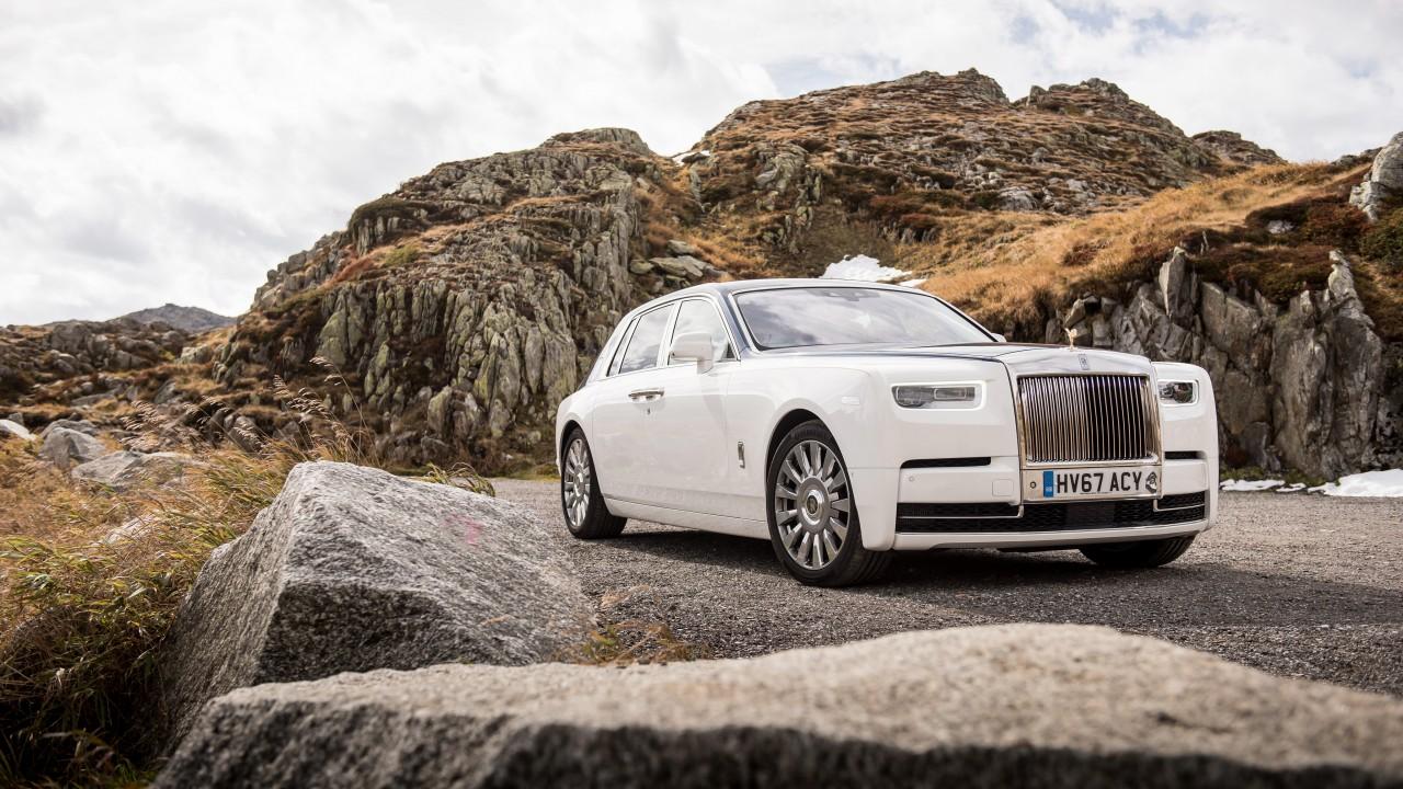 2017 rolls royce phantom 4k 2 wallpaper hd car - Rolls royce wallpaper download ...