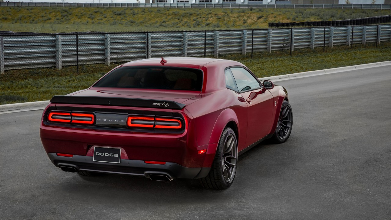 2018 Dodge Challenger Srt Hellcat Widebody 2 Wallpaper