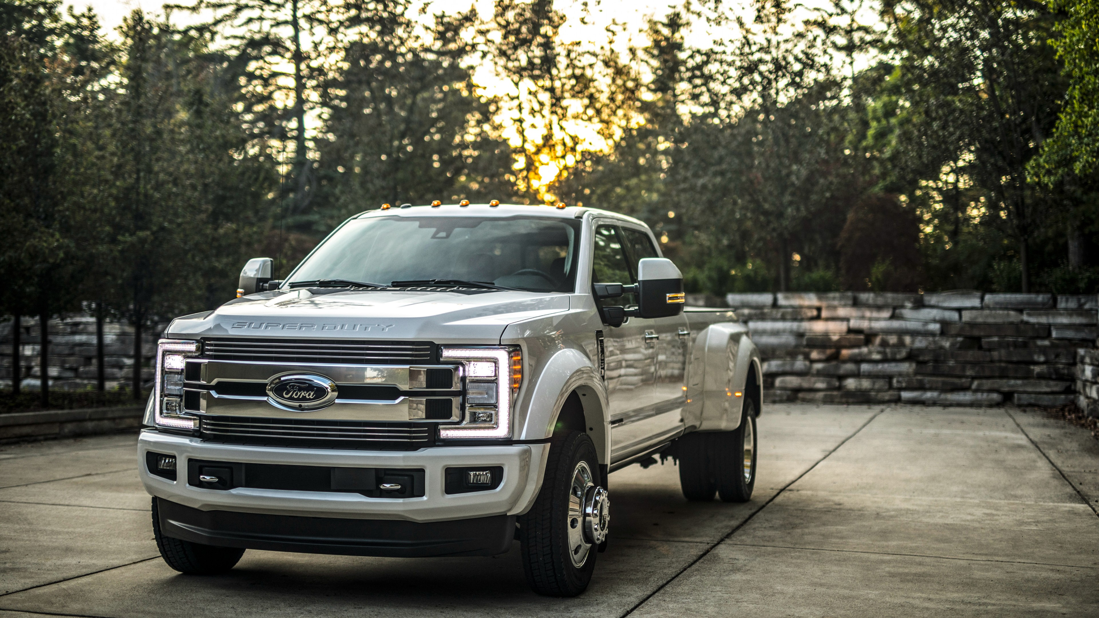 2018 Ford F 450 Limited Super Duty 4K Wallpaper