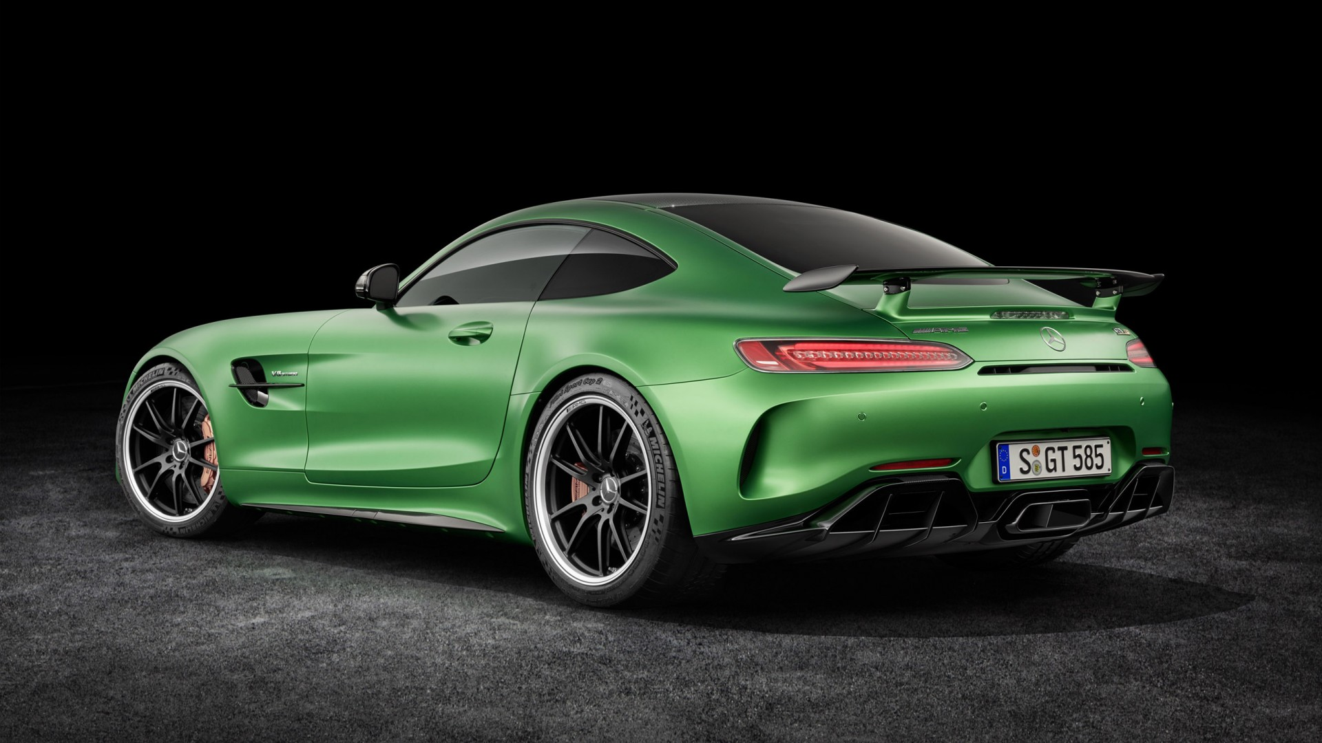 2018 mercedes amg gt r 3 wallpaper hd car wallpapers id 6722. Black Bedroom Furniture Sets. Home Design Ideas