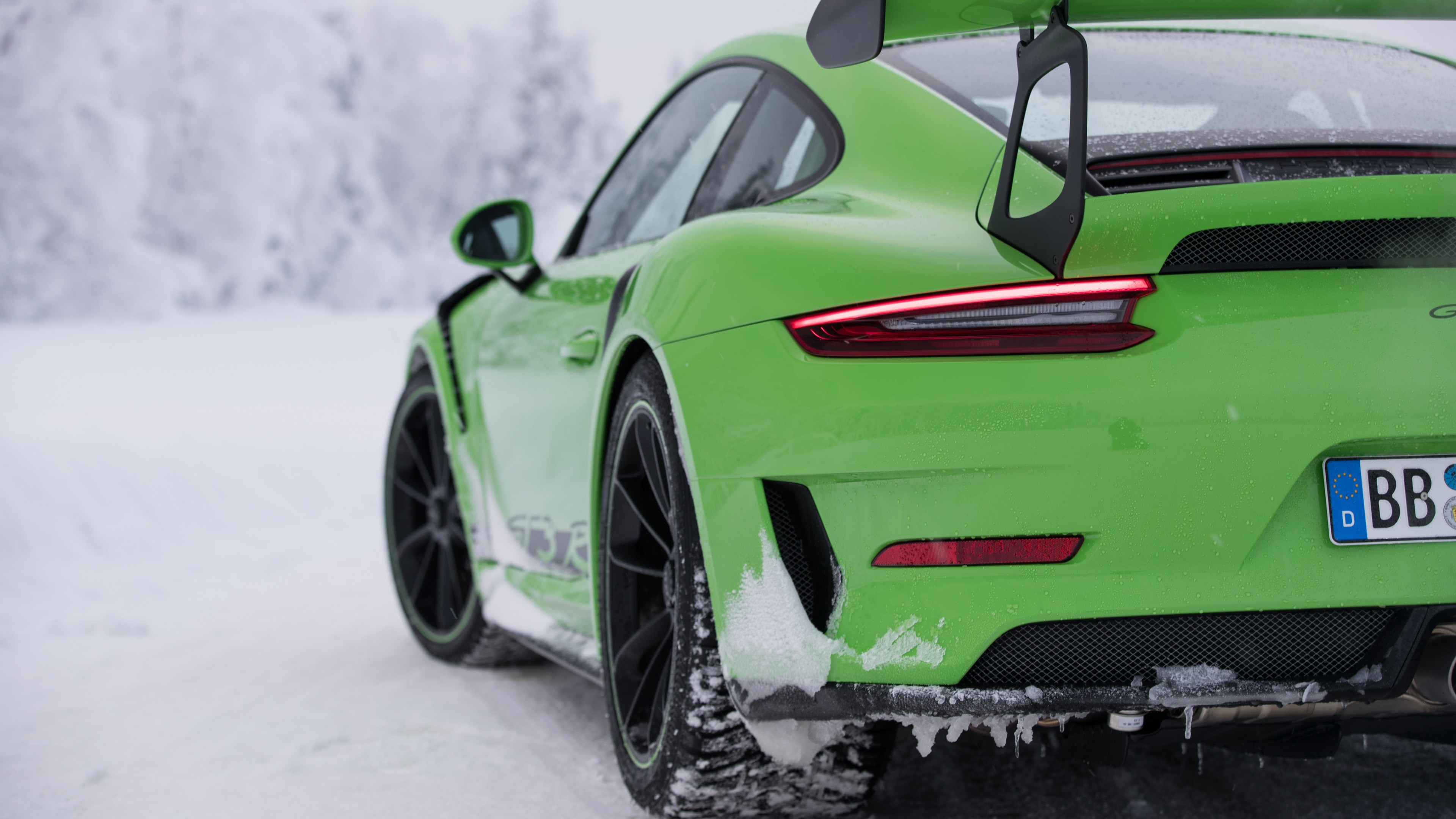 2018 Porsche 911 GT3 RS 4K 2 Wallpaper