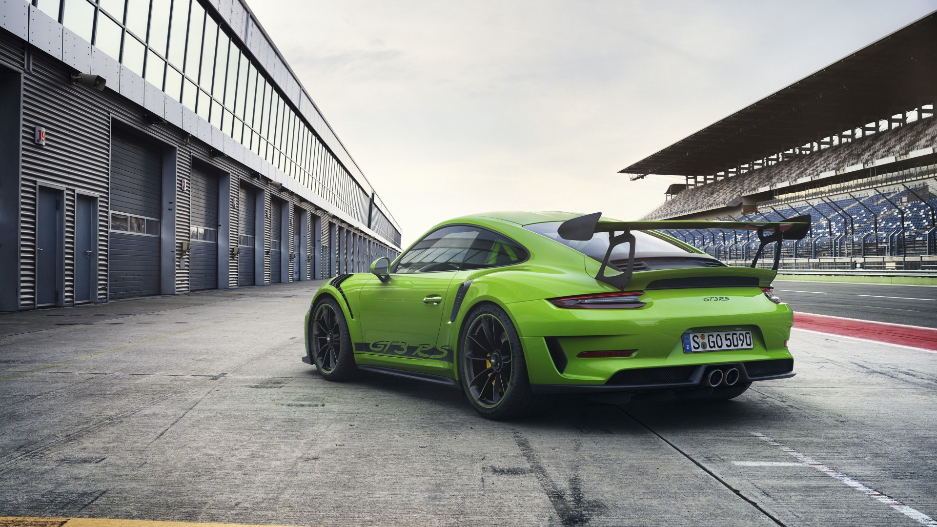 2018 Porsche 911 GT3 RS 4K 4 Wallpaper