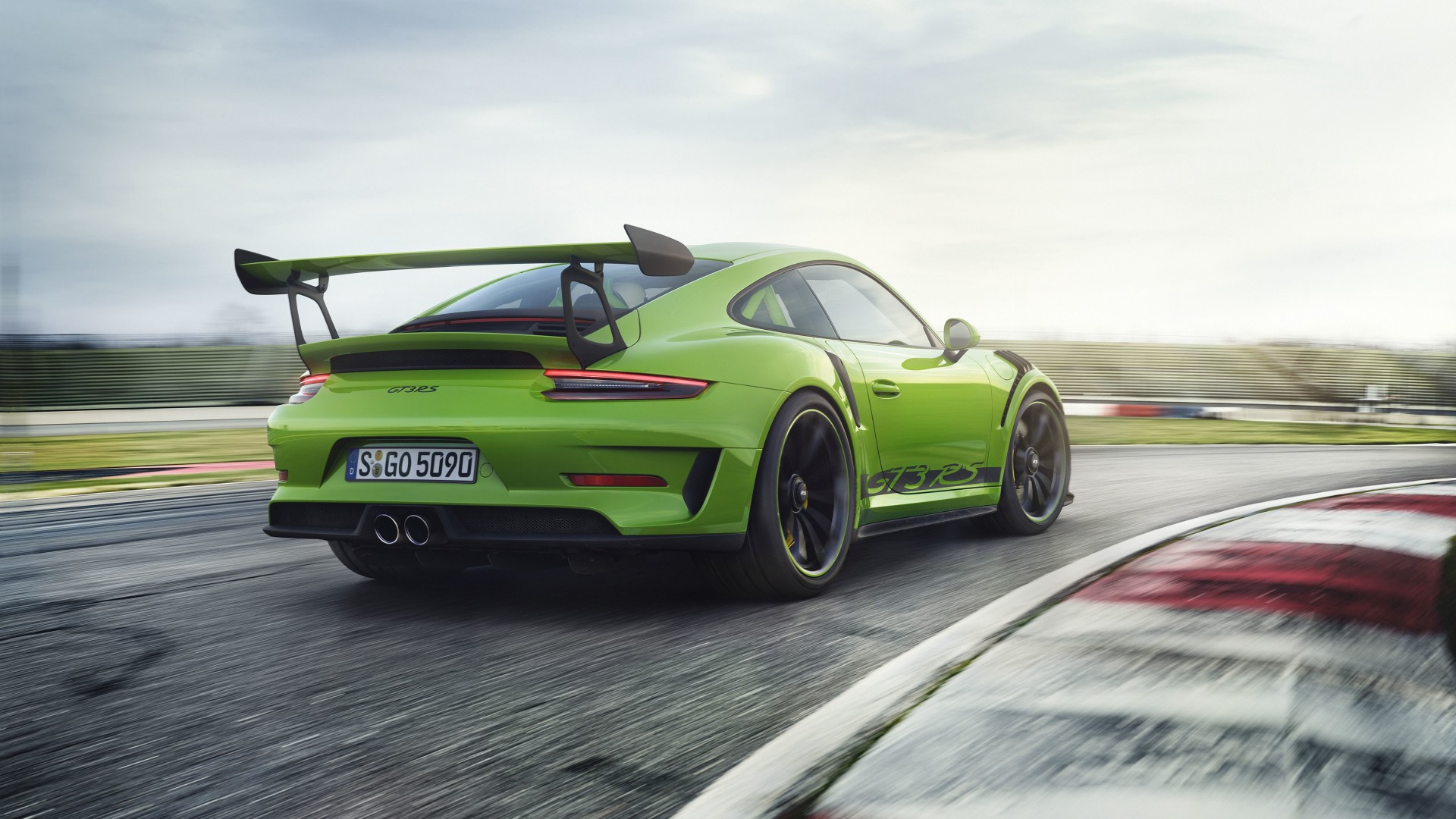 2018 Porsche 911 GT3 RS 4K 8 Wallpaper
