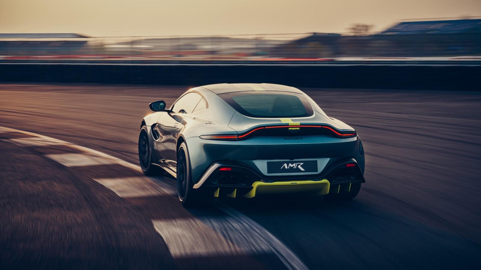 Aston Martin Vantage Amr K X