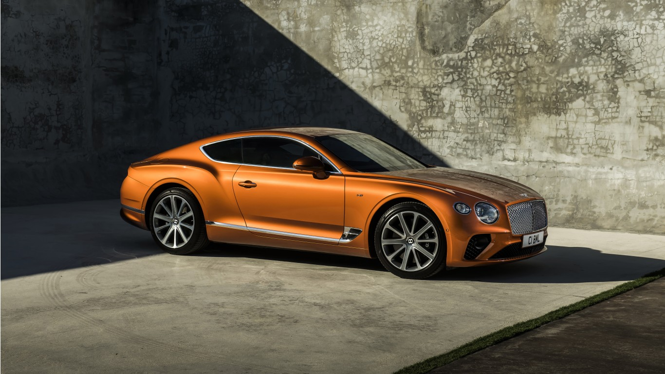 Bentley Continental GT V8 2019 4K 2 Wallpaper