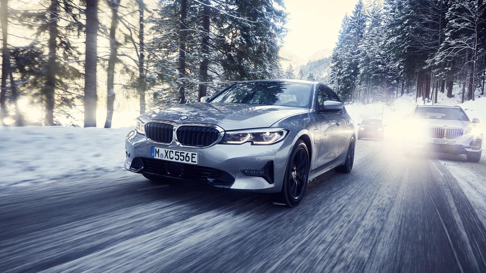 BMW 330e 2019 4K Wallpaper