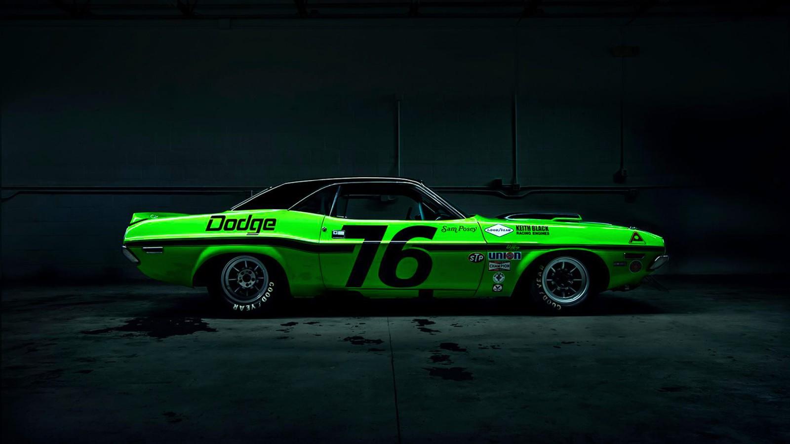 Dodge Challenger Drag Racing Wallpaper Hd Car Wallpapers