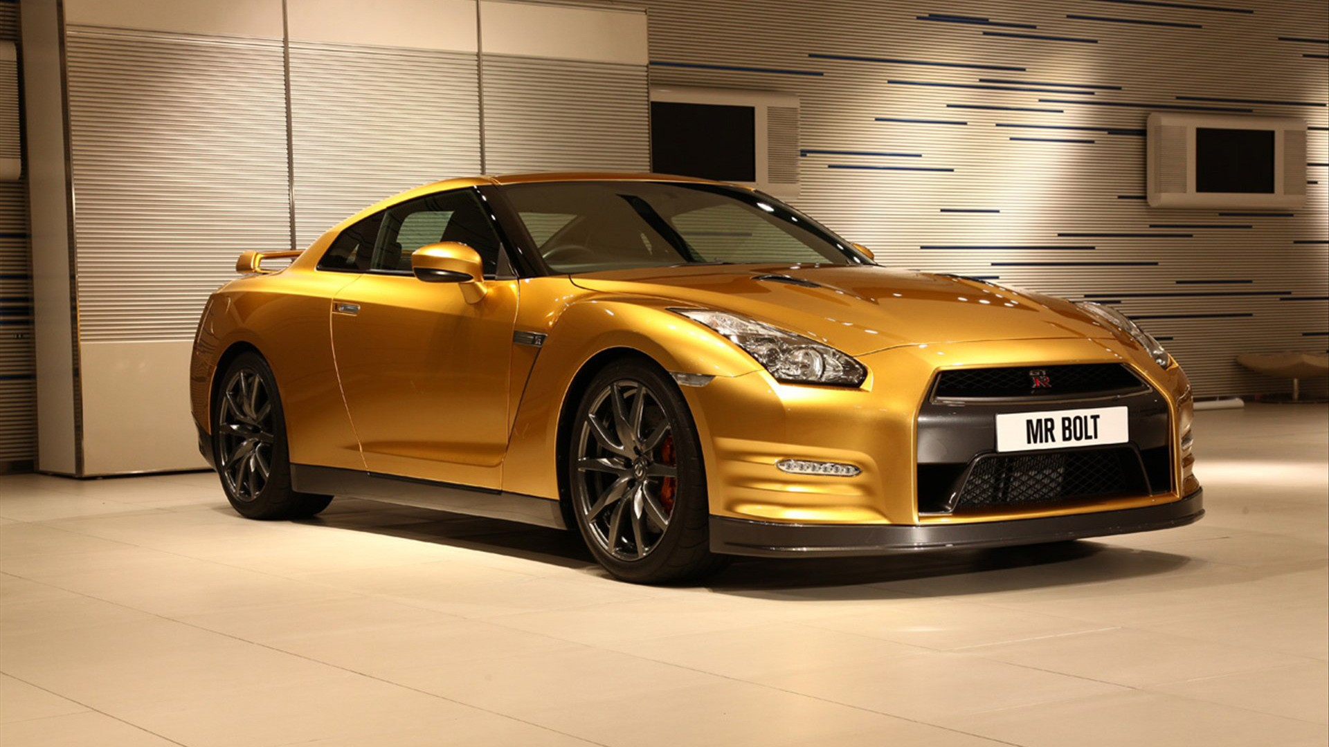 Gold Car Wallpapers: Nissan GT R Gold Wallpaper