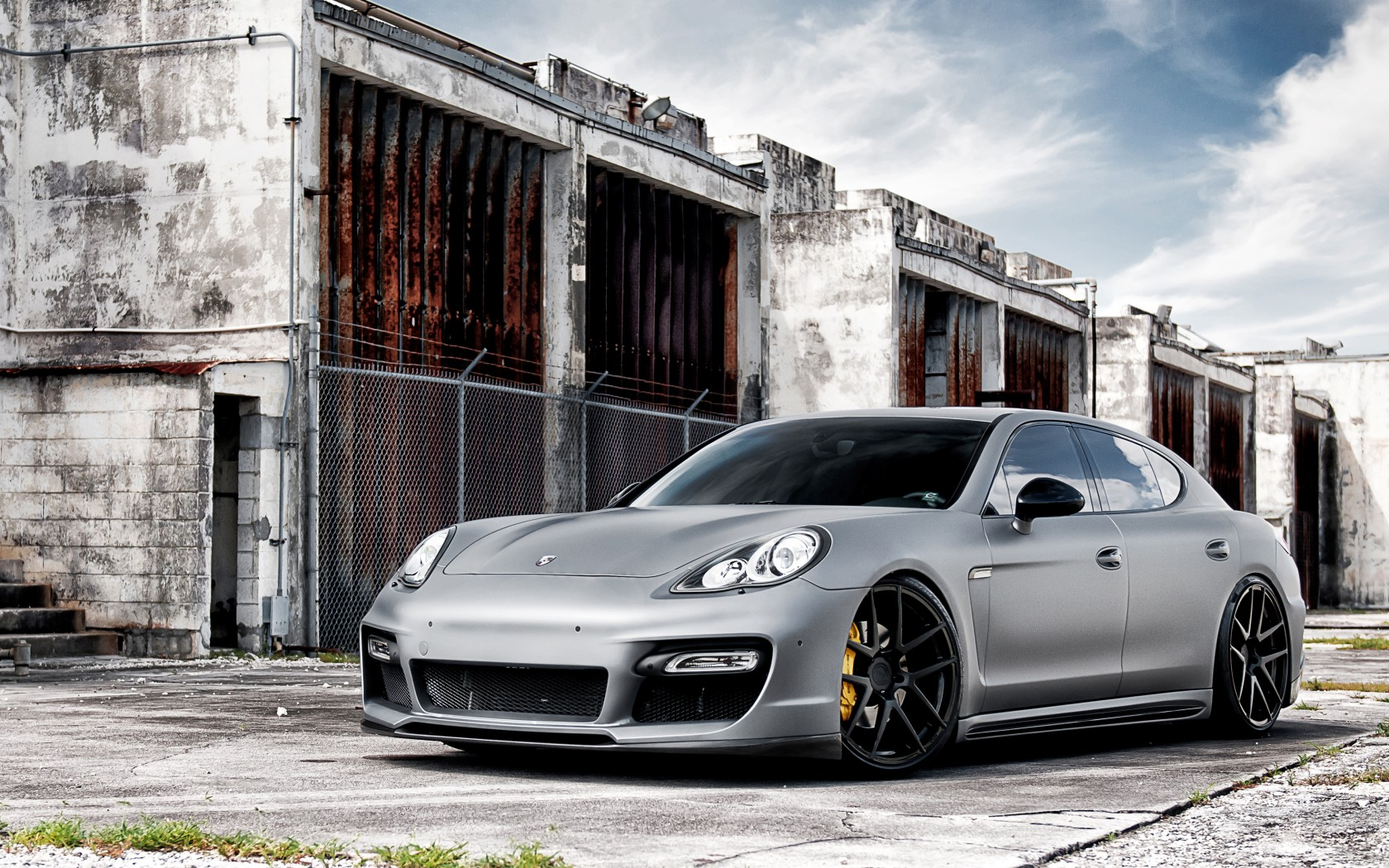 Porsche Panamara on ADV1 Wheels Wallpaper | HD Car Wallpapers