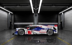 2014 Toyota TS040 Hybrid Race Car 2
