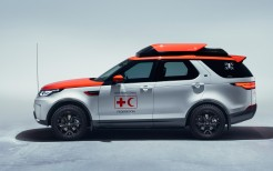 2017 Land Rover Discovery Project Hero 3