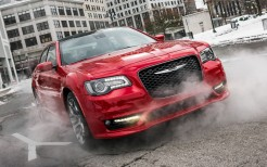 2018 Chrysler 300S 11