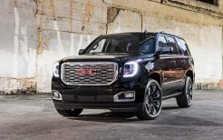 2018 GMC Yukon Denali Ultimate Black 2