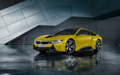 BMW i8 Frozen Yellow 2017