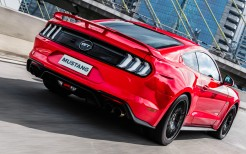 2018 Ford Mustang GT Fastback 4K 11