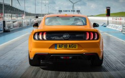 2018 Ford Mustang GT Fastback 4K 17