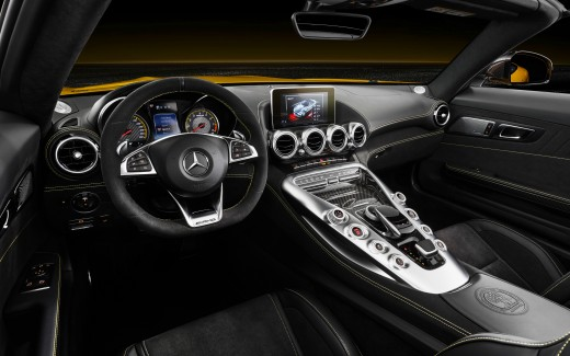 2018 Mercedes-AMG GT S Roadster 4K Interior