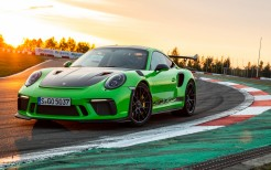 2018 Porsche 911 GT3 RS Weissach Package 4K