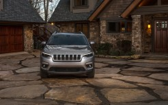 2019 Jeep Cherokee Limited 3