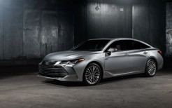 2019 Toyota Avalon Limited Hybrid 4K