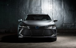 2019 Toyota Avalon Limited Hybrid 4K 3