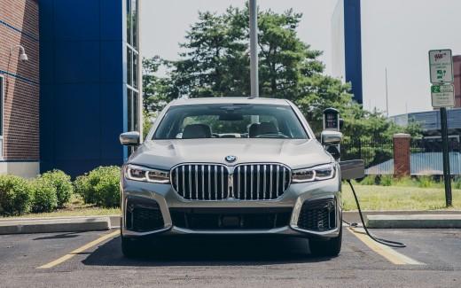 2020 BMW 745e XDrive M Sport 4K Wallpaper