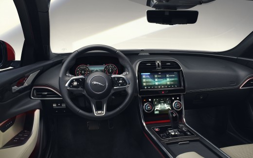 Jaguar XE R-Dynamic 2019 5K Interior