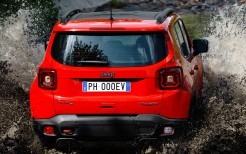 Jeep Renegade Trailhawk Plug-in Hybrid 2019 4K 3