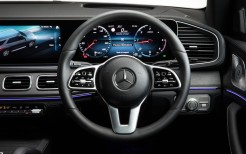 Mercedes-Benz GLE 300 d 4MATIC AMG Line 2019 4K Interior