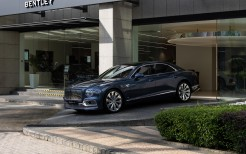 Bentley Flying Spur V8 First Edition 2021 4K
