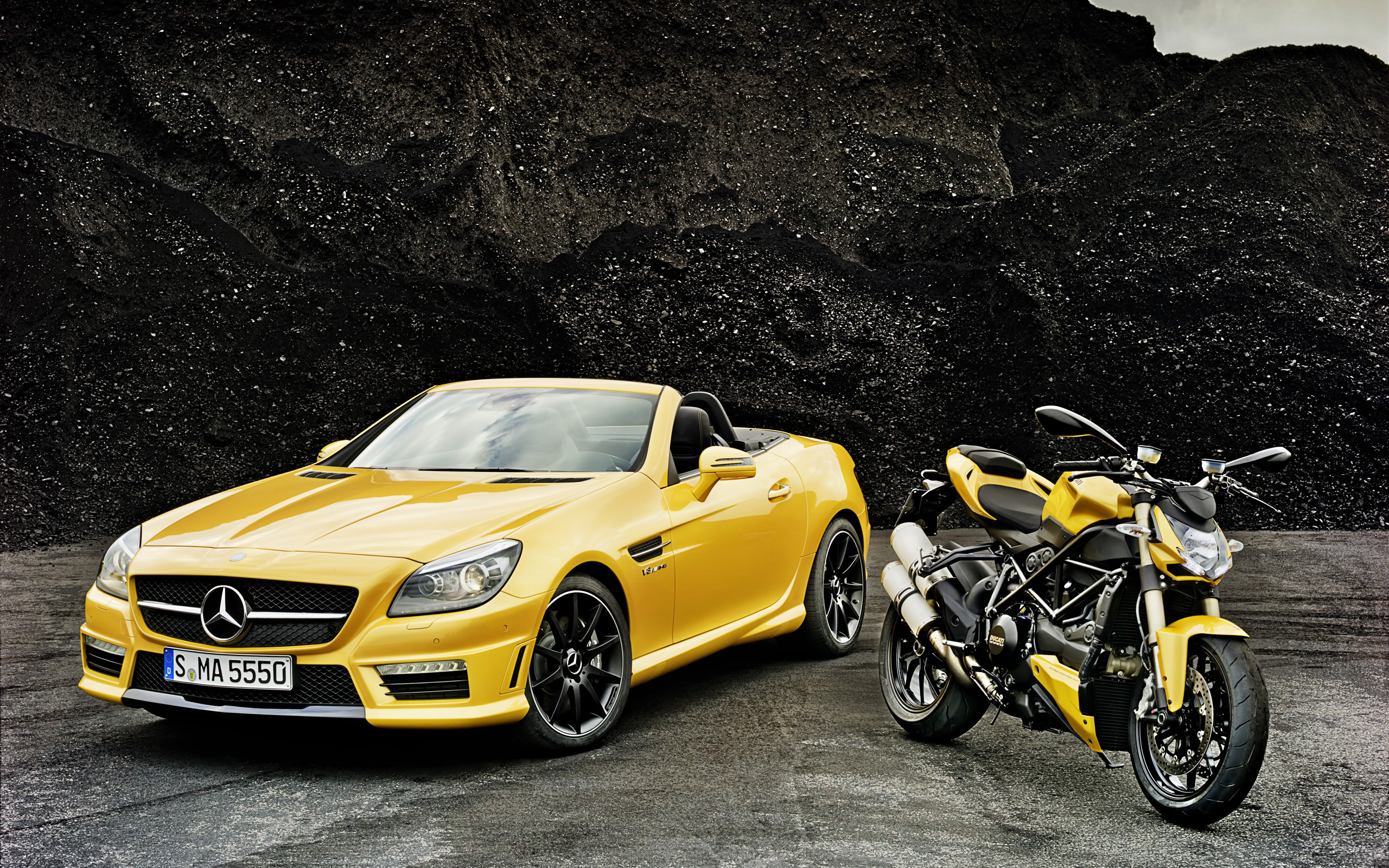 2012 Mercedes Benz Slk 55 Amg Ducati Streetfighter 848 Wallpaper