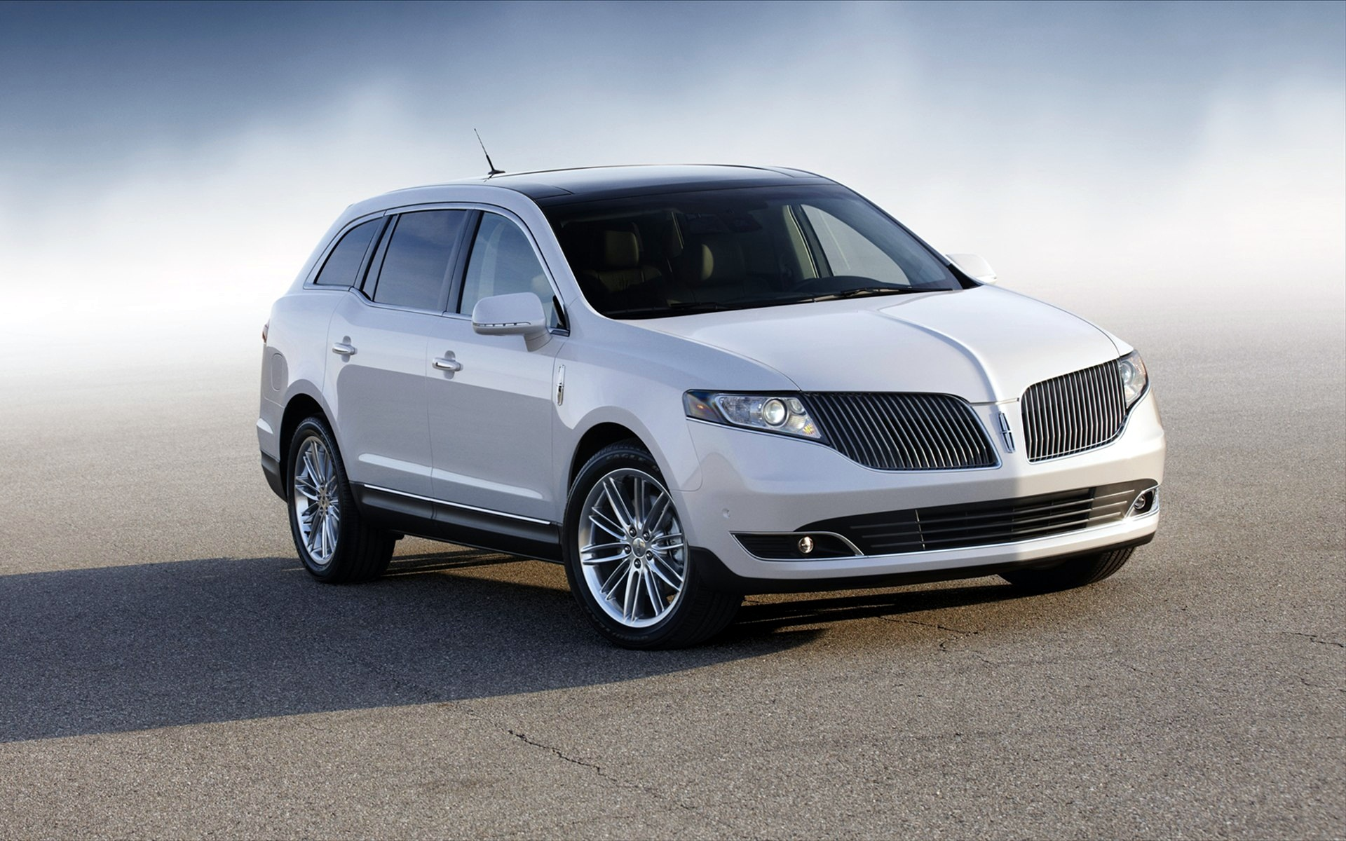 2013 Lincoln MKT Wallpaper | HD Car Wallpapers