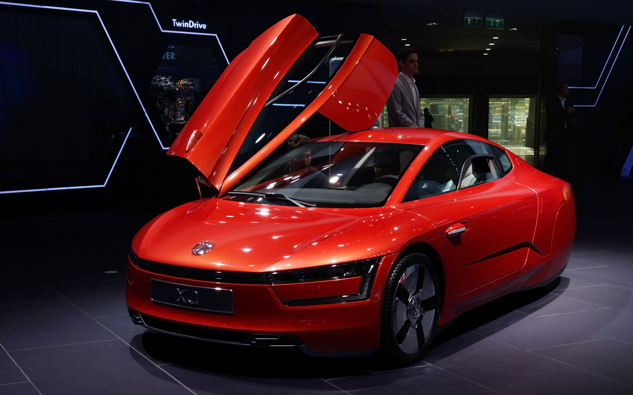 2013 volkswagen xl1 iaa frankfurt motor show wallpaper hd car wallpapers. Black Bedroom Furniture Sets. Home Design Ideas