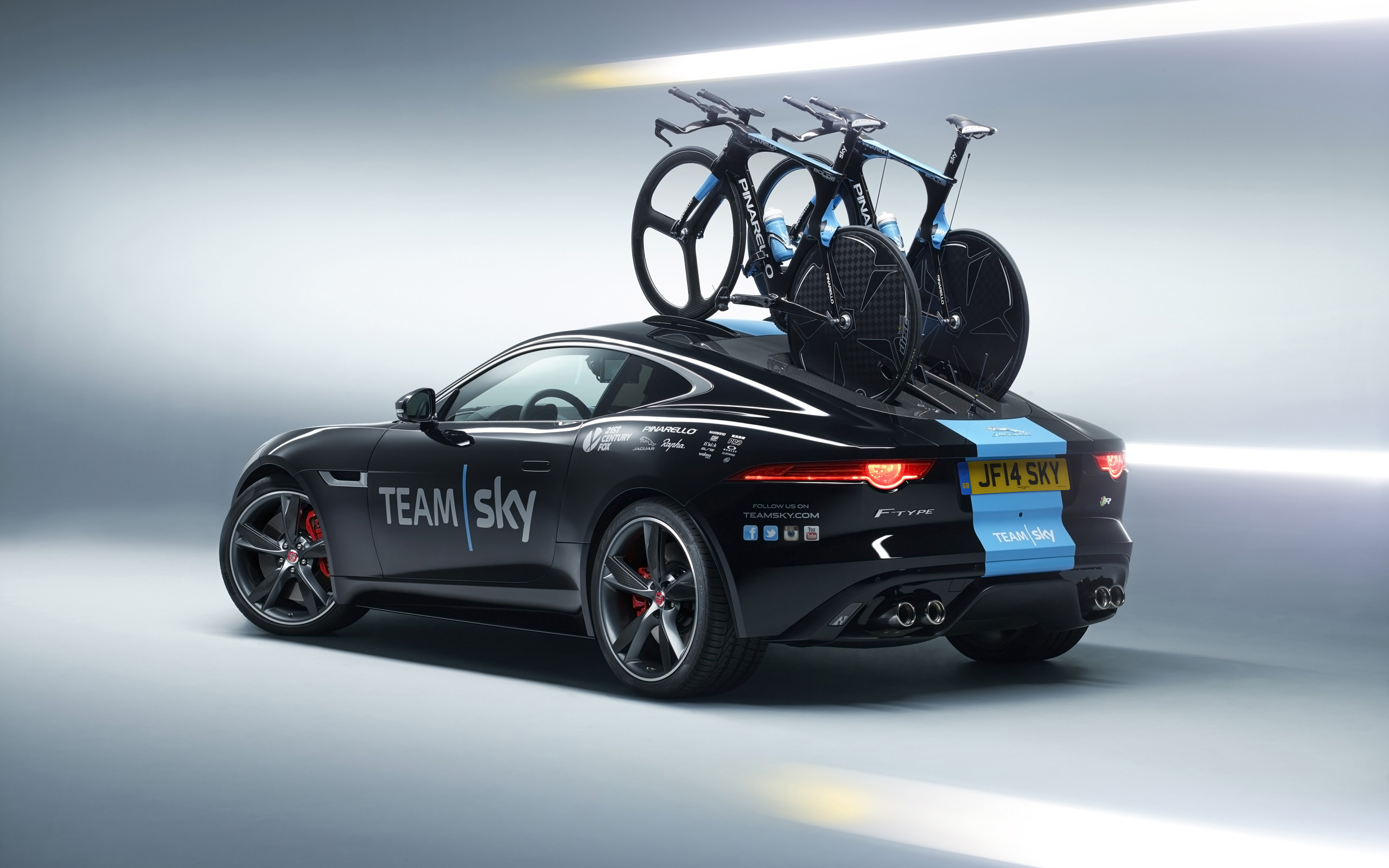 2014 jaguar f type coupe tour de france 3 wallpaper hd car wallpapers id 4667. Black Bedroom Furniture Sets. Home Design Ideas