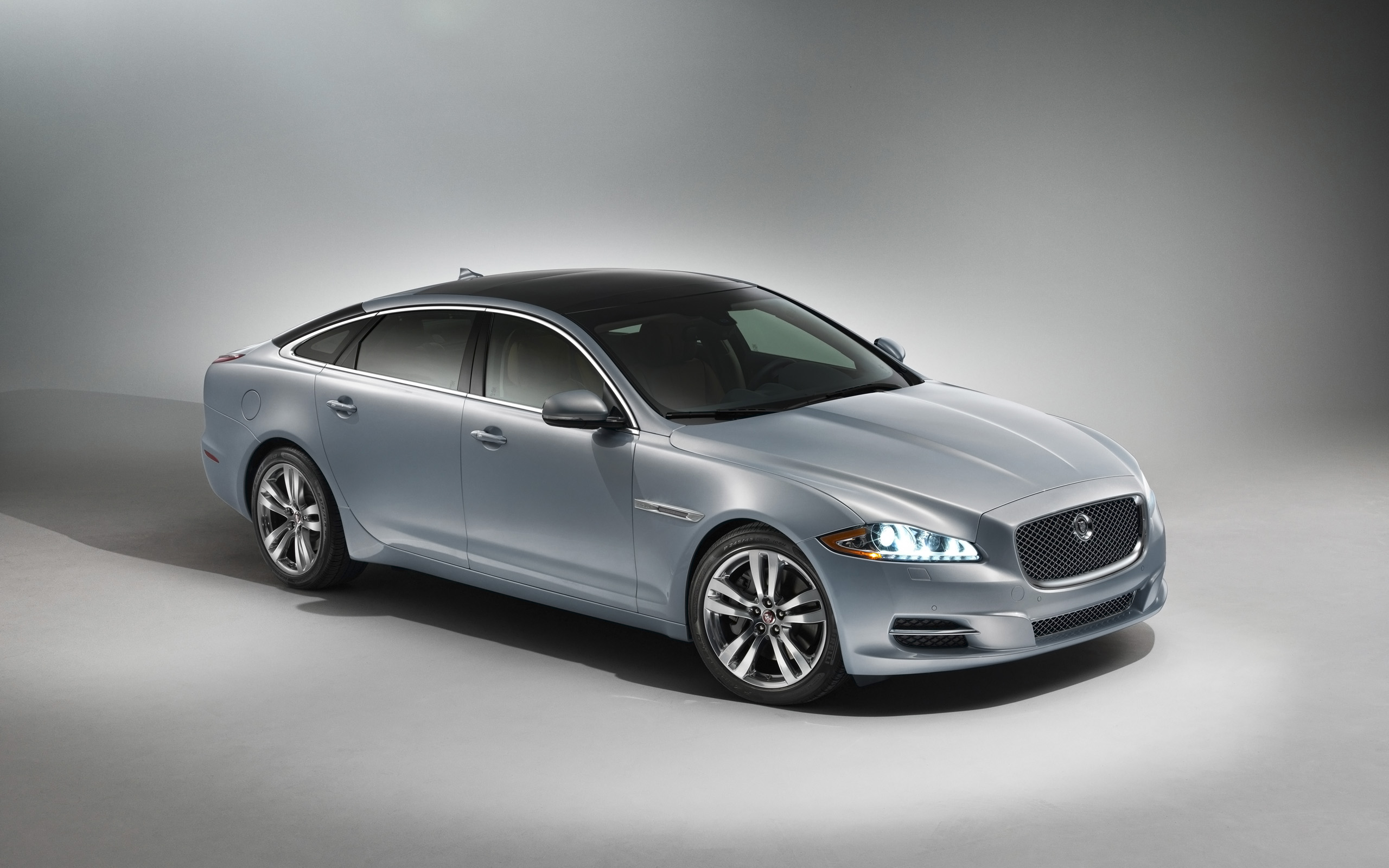drive pinterest jaguar pin and sedans page motion xjr luxury first cars