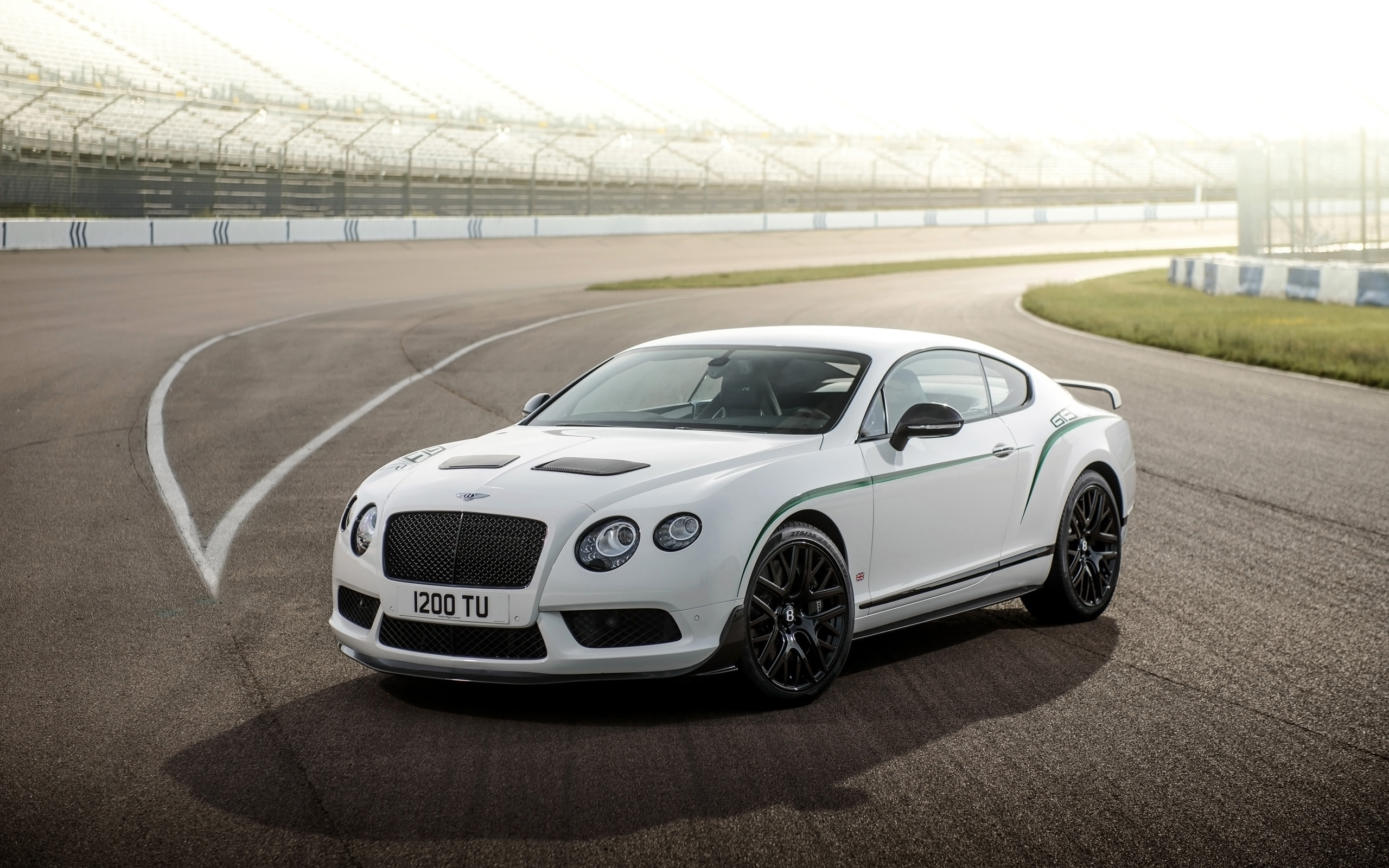 2015 Bentley Continental Gt3 R Wallpaper Hd Car