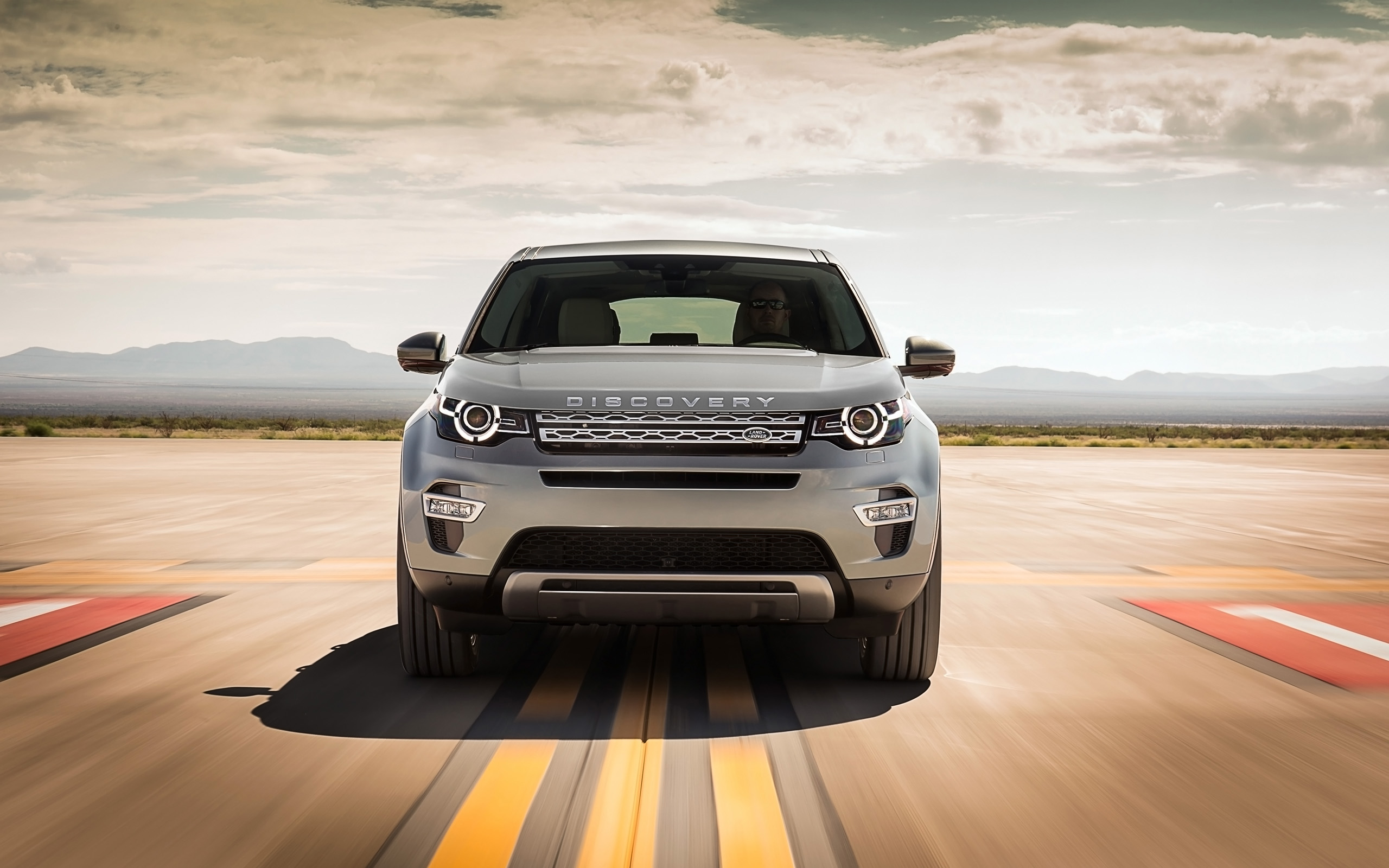 Wallpaper Land Rover Discovery Sport: 2015 Land Rover Discovery Sport 2 Wallpaper