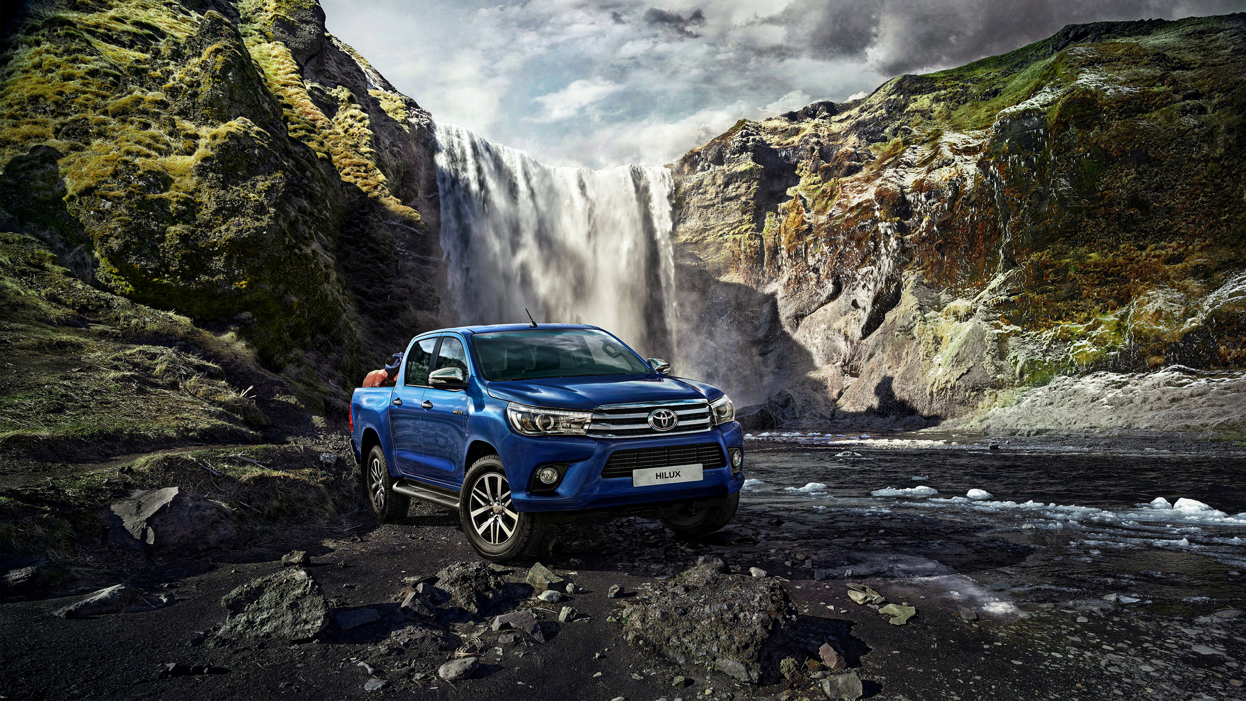 2015 Toyota Hilux Wallpaper