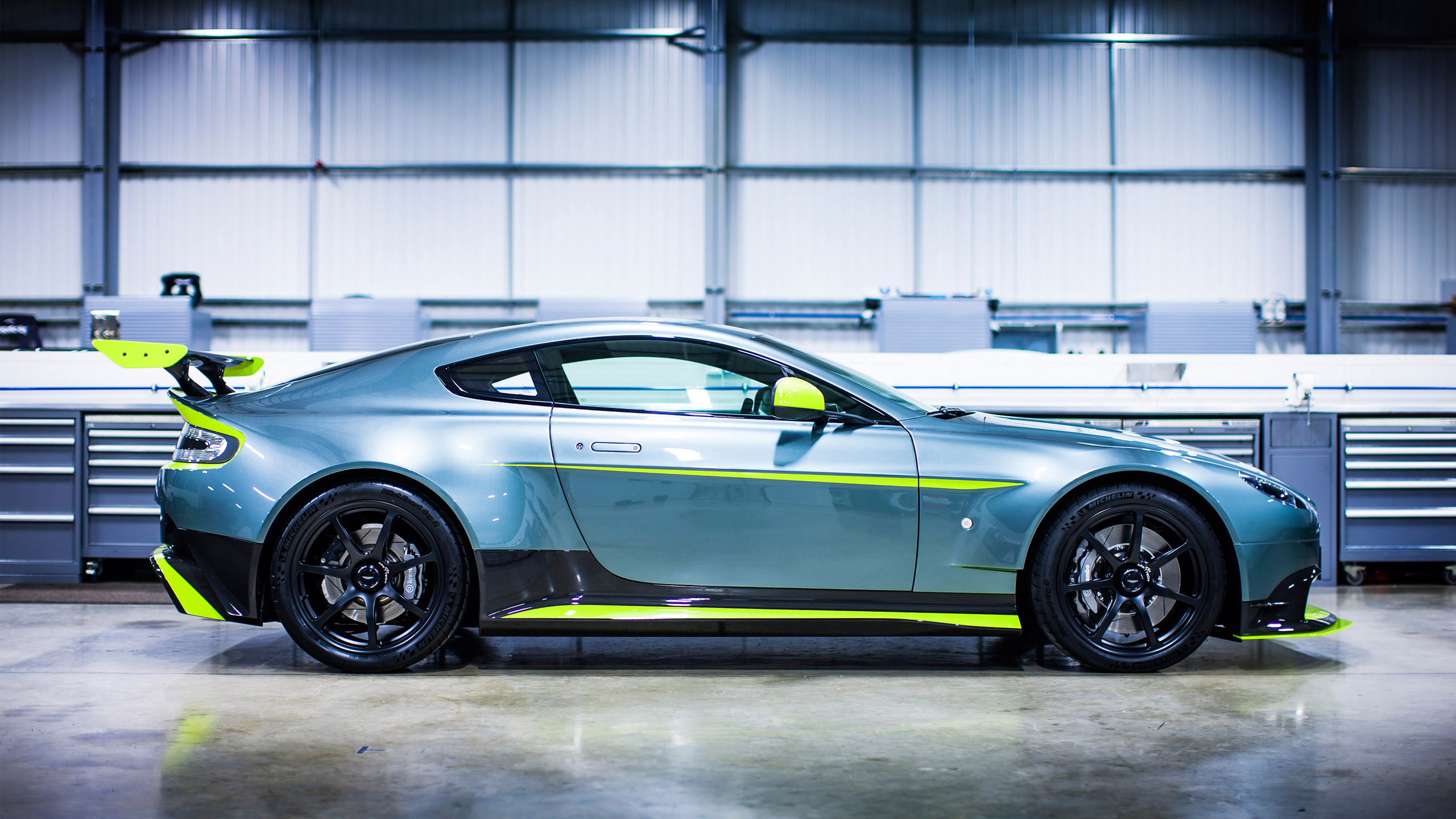 2016 Aston Martin Vantage Gt8 Side View Wallpaper Hd Car