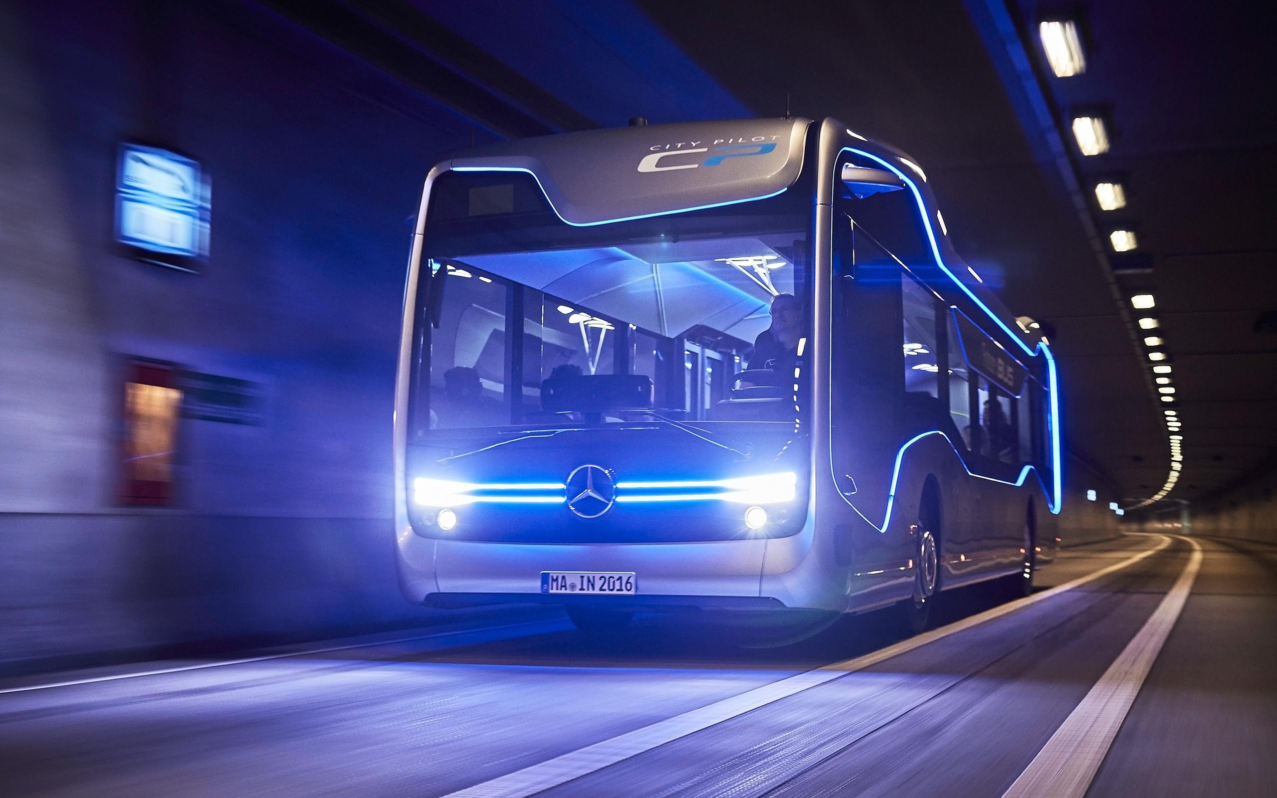 2016 Mercedes Benz Future Bus Wallpaper