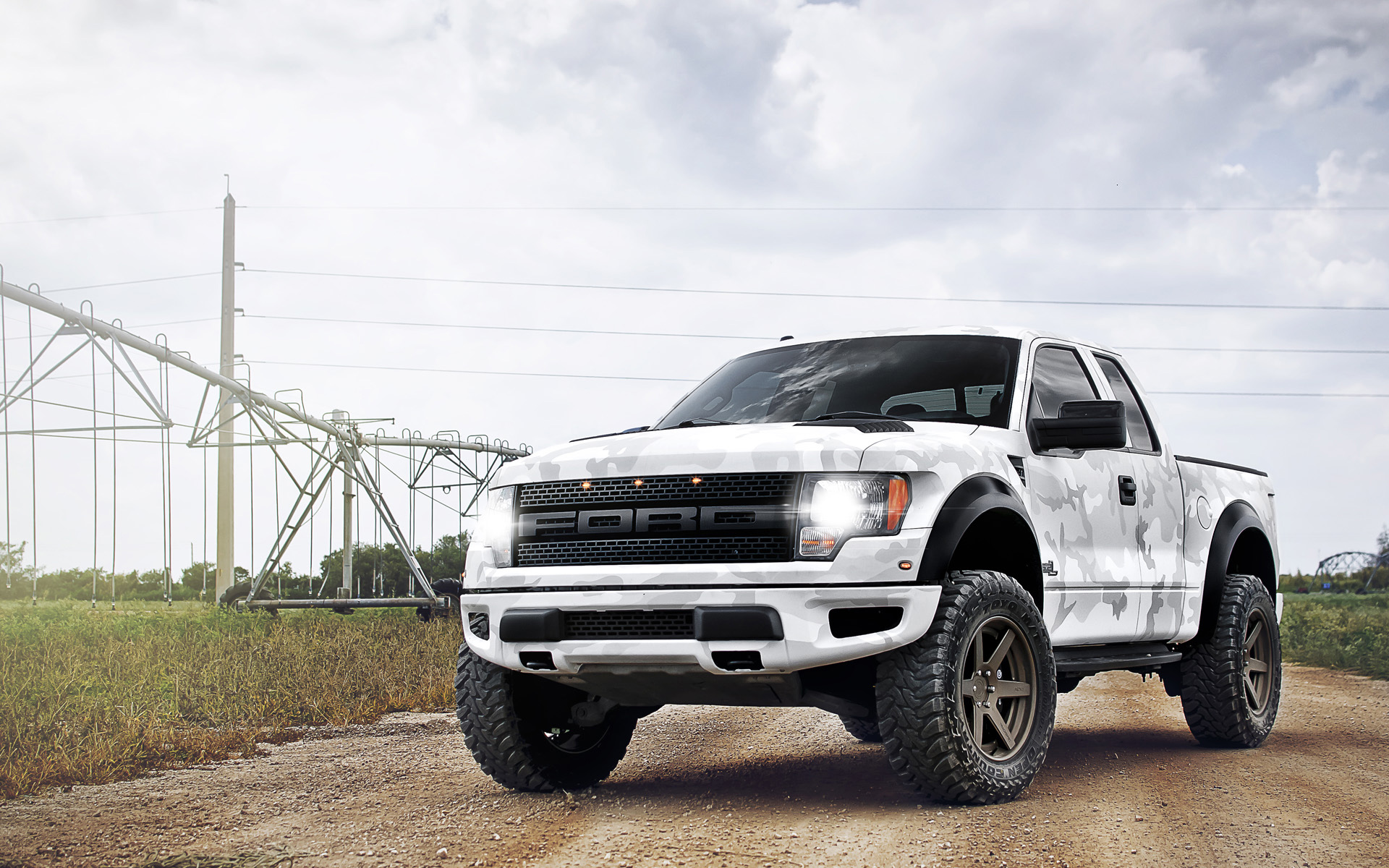 Ford Raptor Camo Lifted Www Imgkid Com The Image Kid