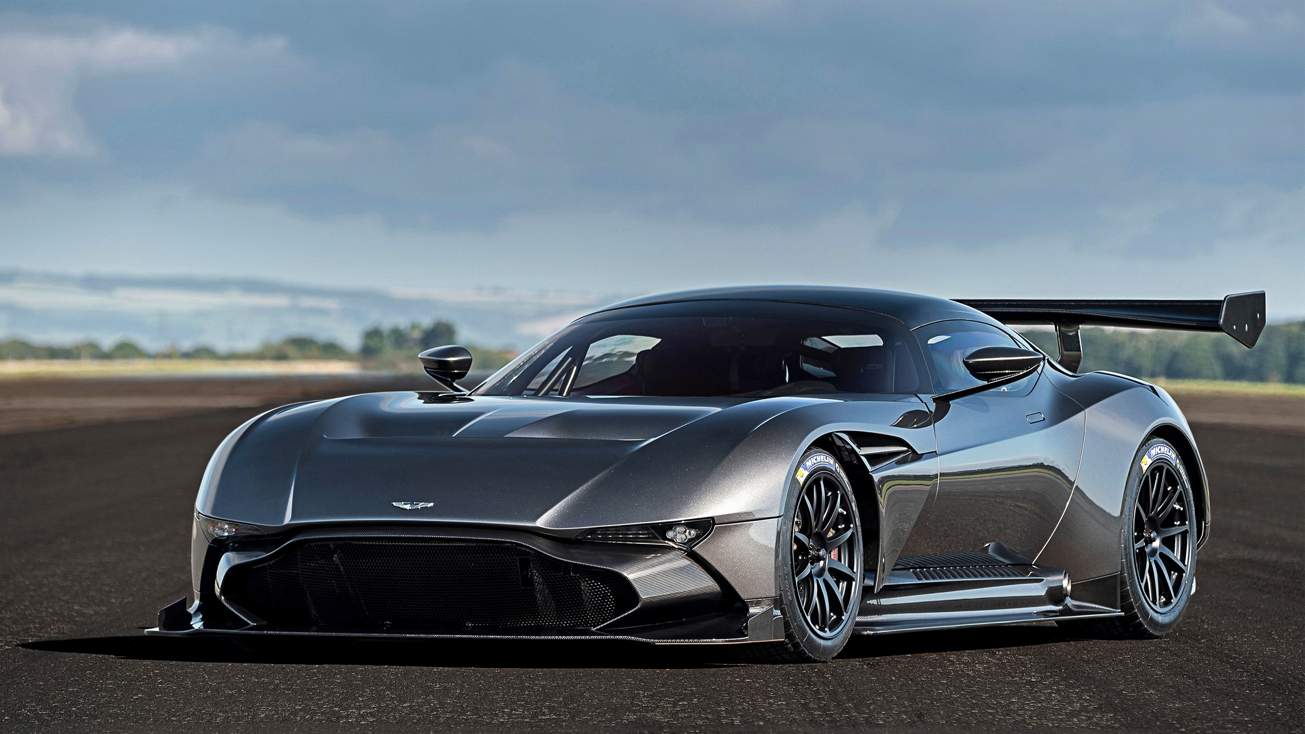 Superior Tags: Aston Martin 2015 Vulcan